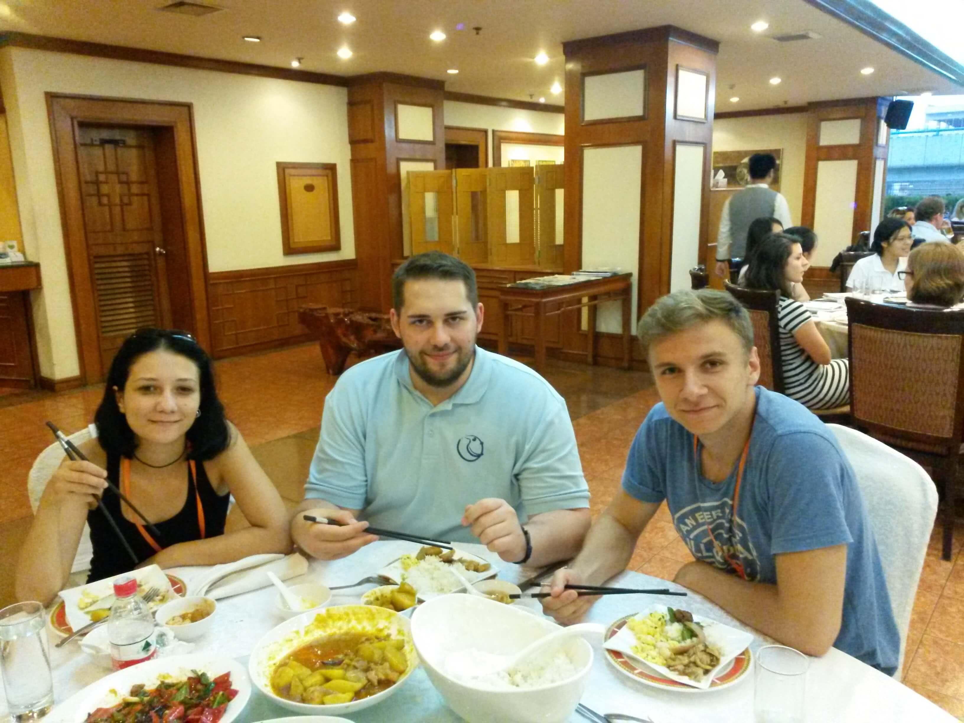 masa-la-restaurantul-hotelului